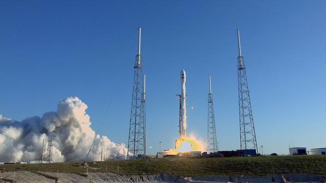 SpaceX lanceert alsnog nieuw type raket na dag uitstel