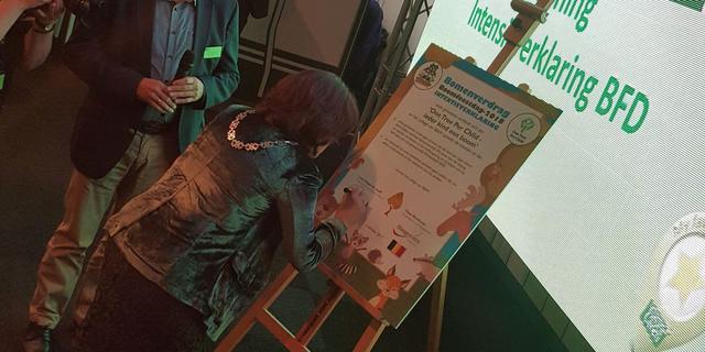 Zundert en Hoogstraten werken samen aan project One Tree Per Child