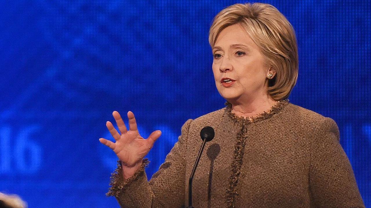 Clinton noemt Trump 'IS-recruiter'