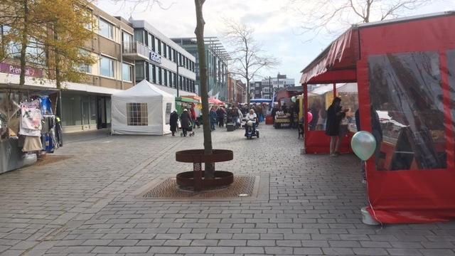 Markt Vlissingen voor het eerst op nieuwe plaats