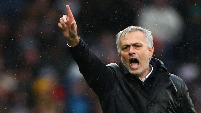 Mourinho bestempelt druk speelschema in Premier League als 'misdaad'