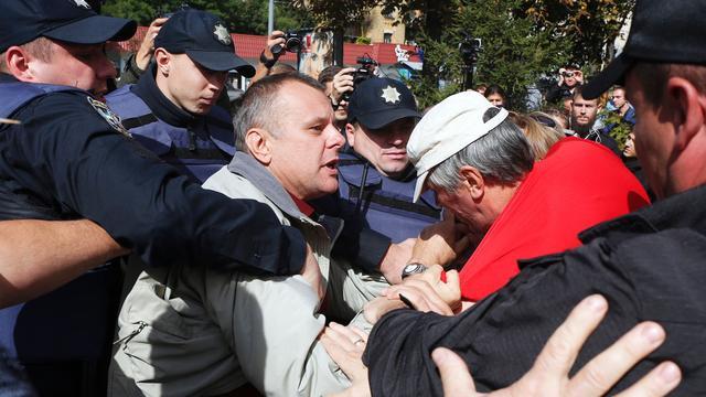 Russische kiezers in Kiev gehinderd door Oekraïense nationalisten