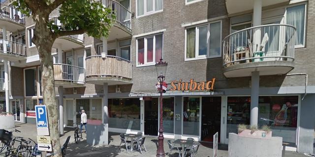 Snackbar beschoten in Eerste Oosterparkstraat in Oost