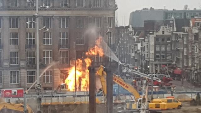Grote brand na gaslek in centrum van Amsterdam geblust