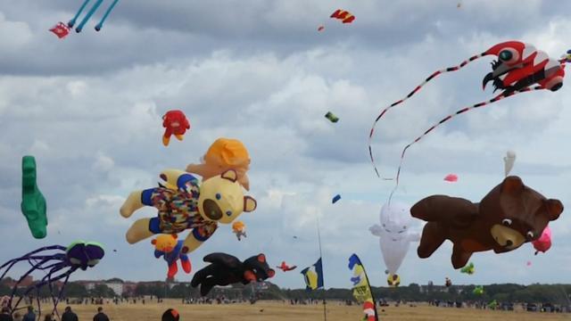 Tientallen vliegers opgelaten tijdens festival in Berlijn