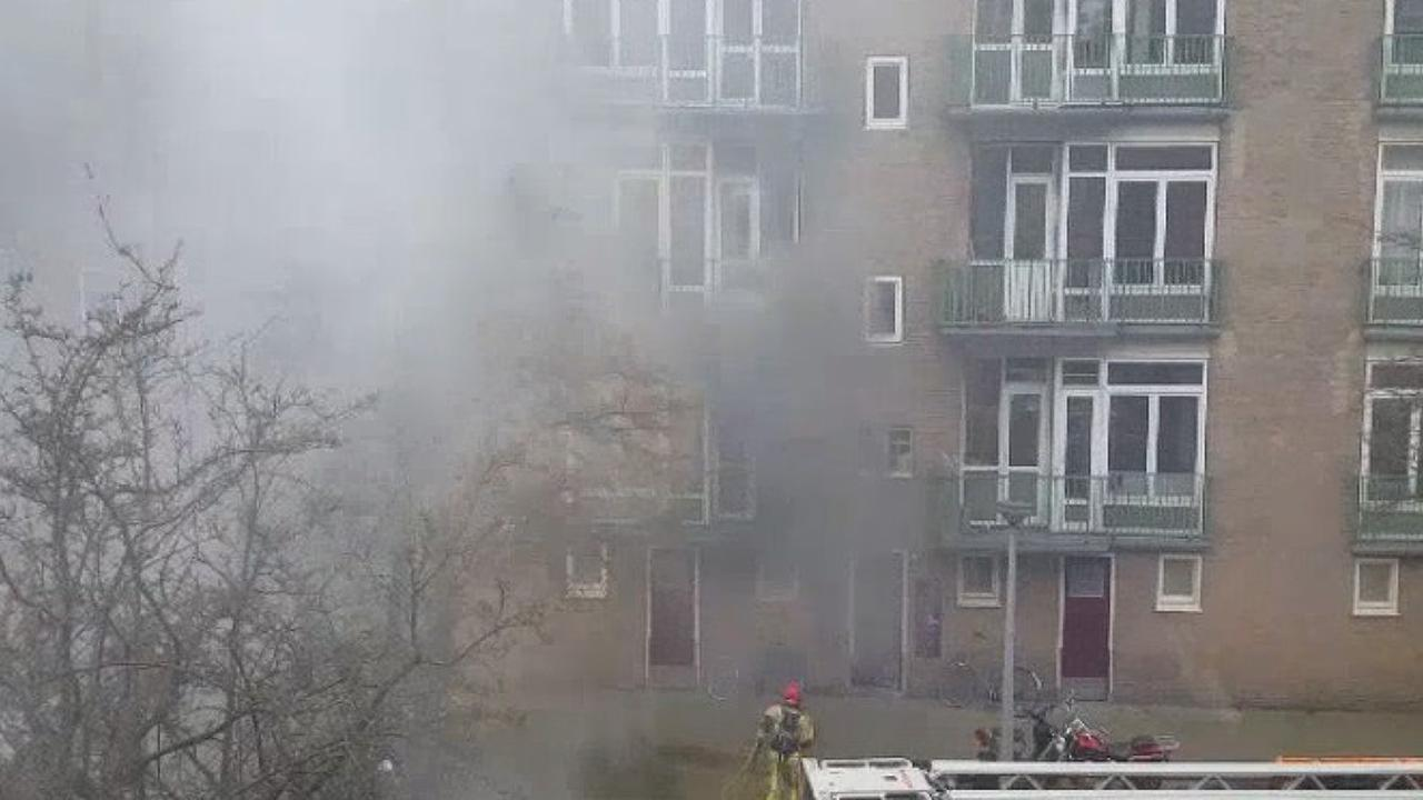 Veel rookontwikkeling bij brand in Kolenkitbuurt
