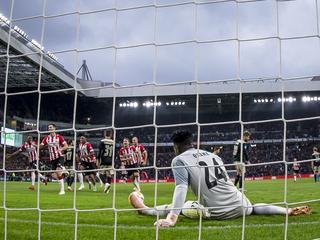 Eindhovenaren winnen met 3-0 in Philips Stadion