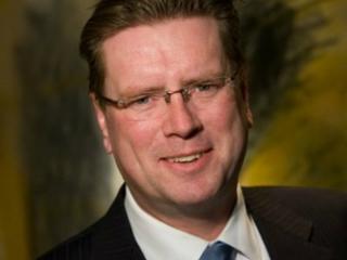 Velzel was eerder onder meer bestuursvoorzitter van verzekeraar Univé