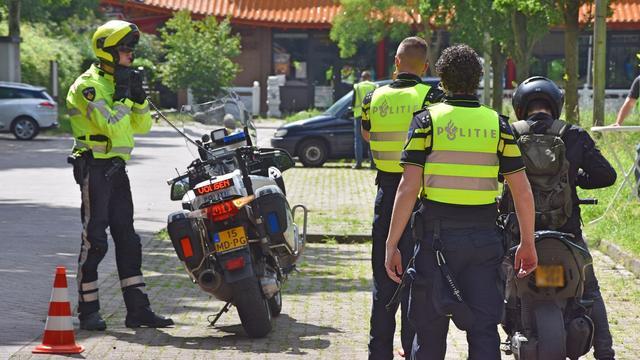 Politie deelt zeven bekeuringen uit bij brom- en snorfietscontrole
