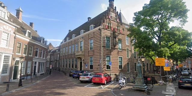 Utrechtse conservator geeft digitale rondleidingen door de Paushuize