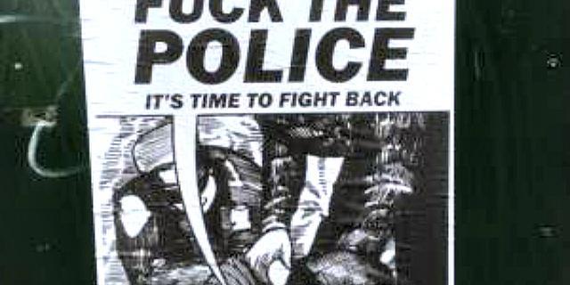 Politie Den Haag onderzoekt posters gericht tegen agenten