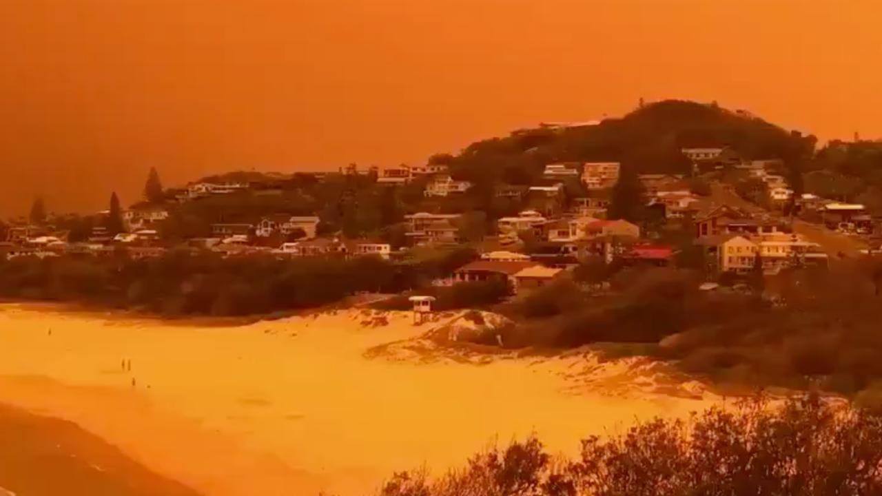 Lucht kleurt oranje door zware bosbranden in Australië