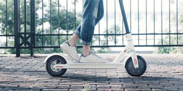 Elektrische step en hoverboard gewoon te koop, maar op straat verboden
