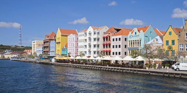 Vakantieplekken op slot: geen vluchten naar ABC-eilanden en skipistes dicht