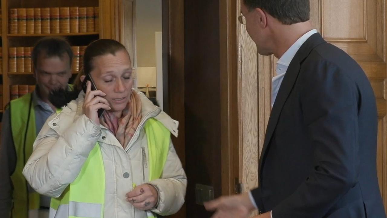 'Gele Hesjes' weigeren hand Rutte tijdens bezoek aan Torentje