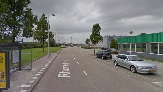 Auto rijdt meerdere voertuigen aan in Amsterdam Westpoort