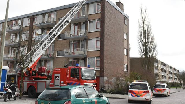 Gaslekkage op dak van flat aan Bartokstraat