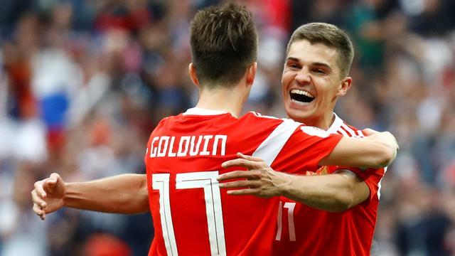 Euforische Russen hadden 5-0 zege in openingsduel nooit durven dromen