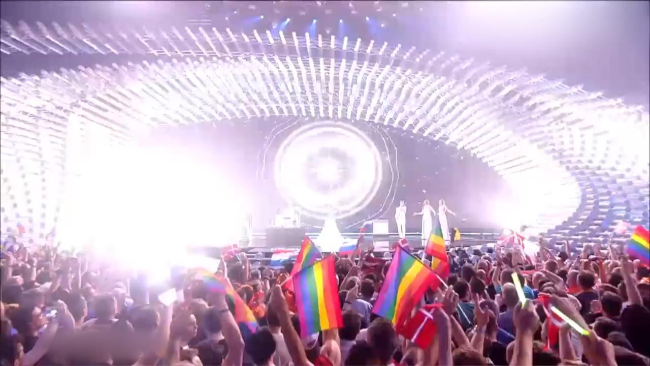 Optreden Rusland vorig jaar: mét regenboogvlaggen