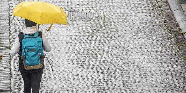 Weerbericht: Regenbuien verspreiden zich over het land