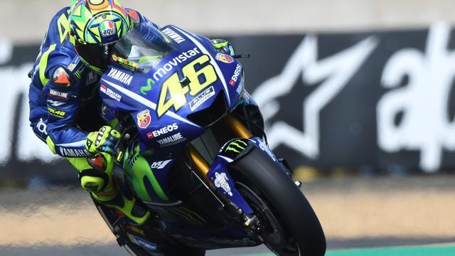 Motorcoureur Valentino Rossi in het ziekenhuis na trainingsongeluk