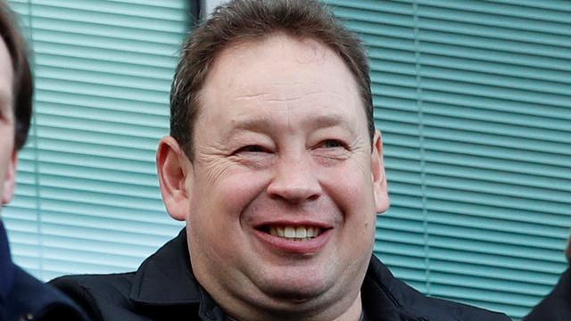 Trainer Slutsky mag aan de slag bij Vitesse na ontvangen werkvergunning