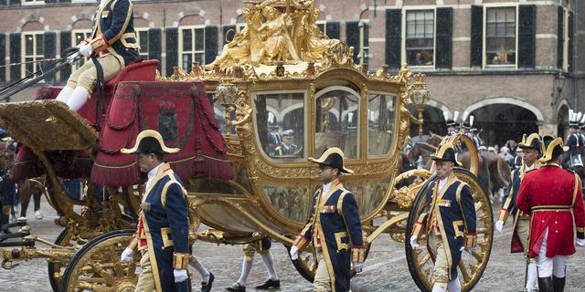 Koning Willem-Alexander opent tentoonstelling rondom Gouden Koets