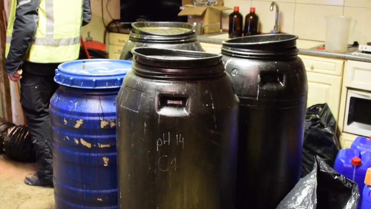 Kijkje in xtc-lab in Brabants Hapert: 'Erg gevaarlijk spul'