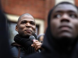 De man uitte racistische dreigberichten naar Quinsy Gario