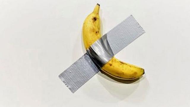 Bananenkunstwerk van 120.000 dollar opgegeten door bezoeker