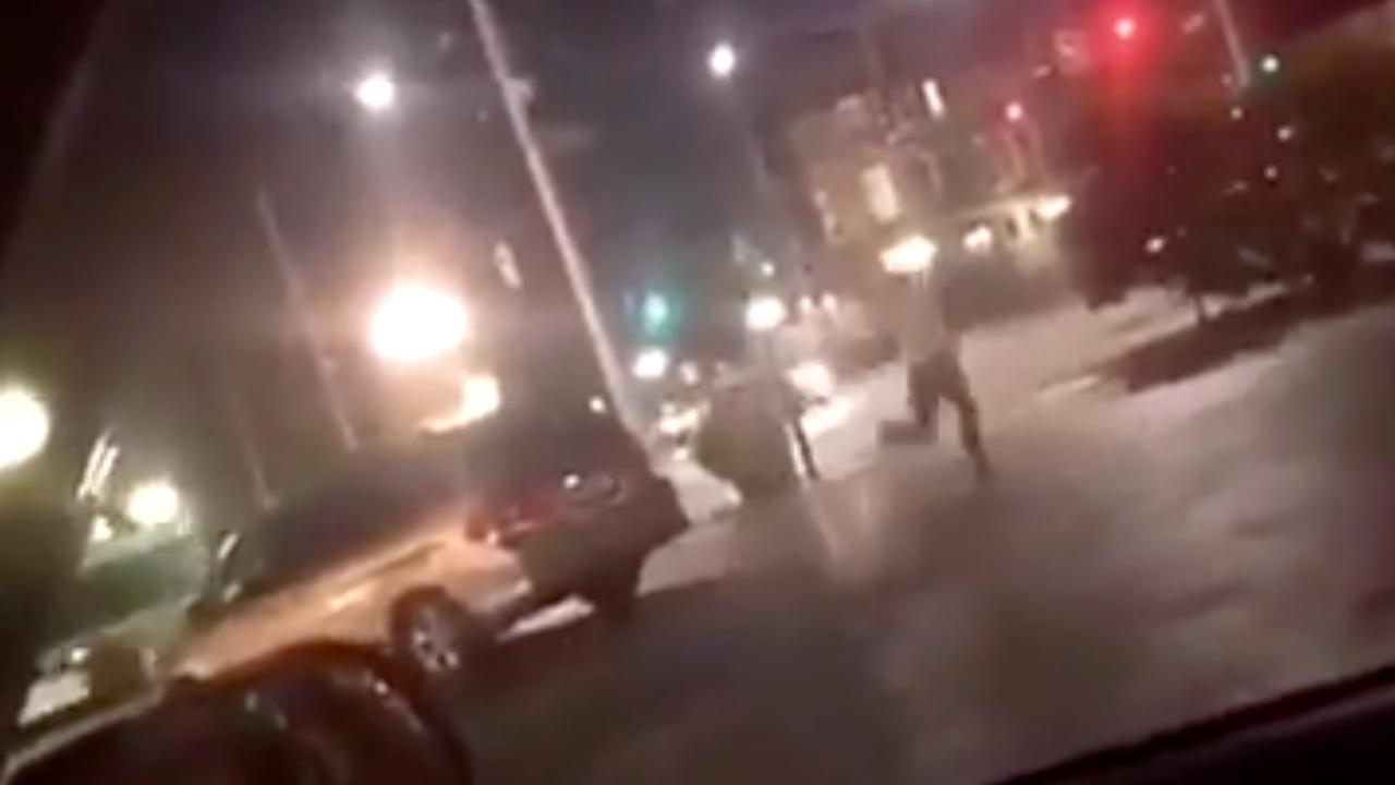 Man filmt vluchtende mensen nabij schietpartij Ohio