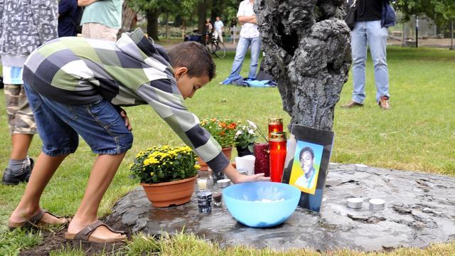 Kerwin Duinmeijer zondagavond herdacht in Vondelpark Amsterdam