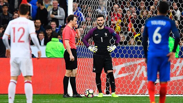 Spanje klopt Frankrijk dankzij videoscheids, Zweden verrast Portugal