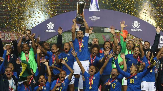 Braziliaanse vrouwen plaatsen zich met winst Copa America voor WK en Spelen