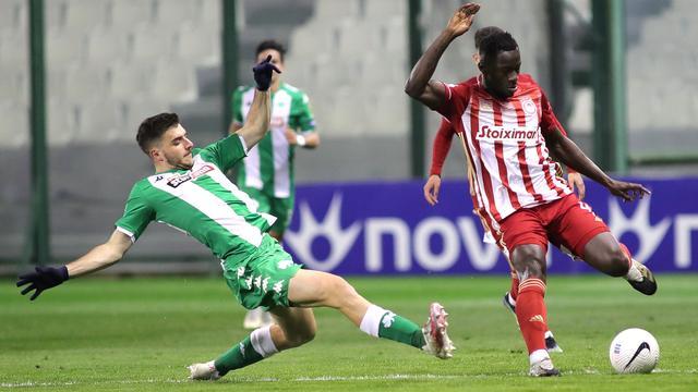 Olympiacos leed de eerste competitienederlaag van het seizoen.