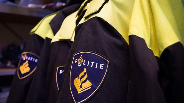 Politie arresteert twee mannen Delftse Poort om vuurwapenbezit