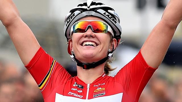 D'Hoore sprint naar dagwinst in eerste etappe Ladies Tour