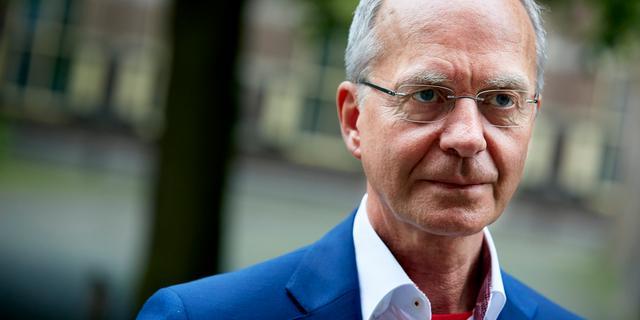 Minister Kamp erkent fout bij gebruik privémail