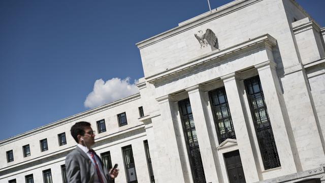 Dalende koersen nopen Fed tot koersverandering