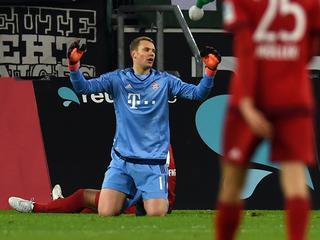 Borussia Mönchengladbach slaat in tweede helft toe tegen koploper