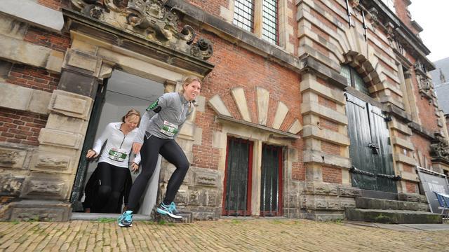 Weekend in Haarlem: Rennen langs de grachten en een zonnige markt