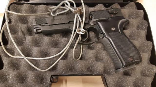 Vlissinger (12) deelt foto met nepwapen op sociale media