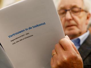 Oppositie richt pijlen op eindverslag informateur en nieuwe regeerakkoord