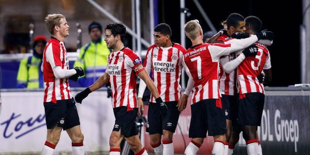 Jong PSV klimt naar vijfde plaats na zege in derby op FC Eindhoven