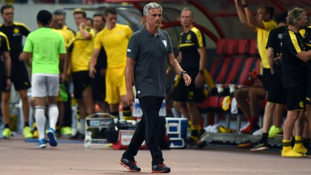Mourinho maakt zich geen zorgen na ruime oefennederlaag United