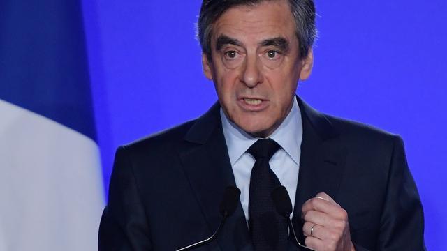 Fillon blijft presidentskandidaat ondanks oproep onderzoeksrechter