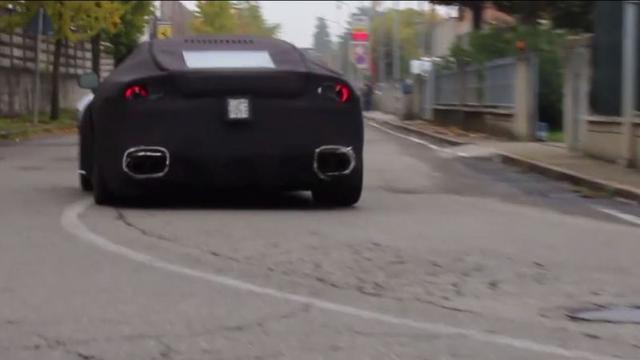 Ferrari F12 Berlinetta betrapt