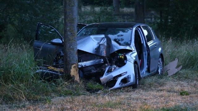 Drie jongens verdacht van poging tot moord na auto-ongeluk met kei Schijndel