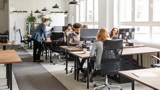 5 tips om vaker op te staan tijdens werk en waarom dit belangrijk is