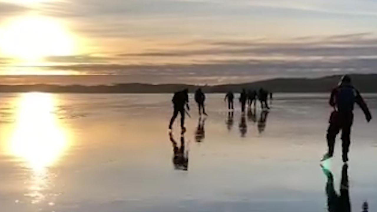 Schaatsers stuiten op 'zingend' ijs in Noorwegen